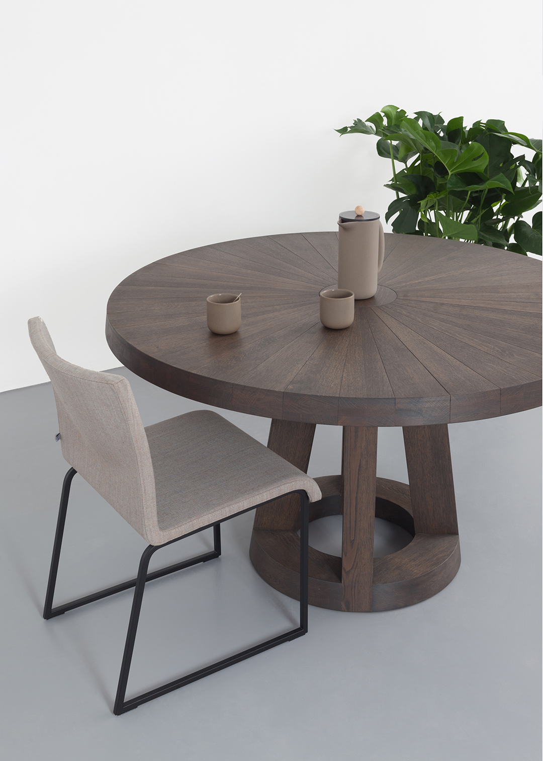 Solid Round Design Table L Remy Meijers L Odesi. Your